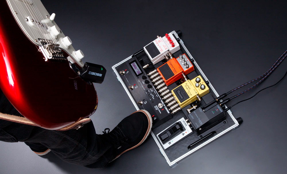 The WL series includes the WL-50, a stompbox-size wireless system that fits easily on any pedalboard.