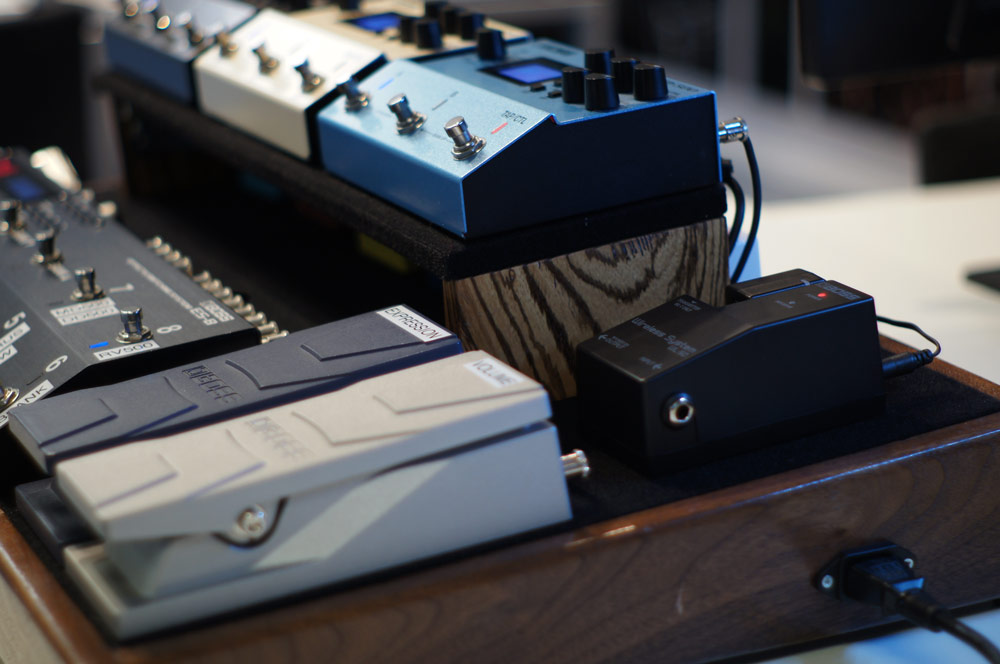 The BOSS WL-50 Wireless System mounts easily right alongside other stompboxes on any pedalboard.