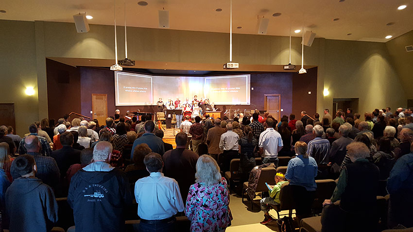 The congregation at First Southern Baptist Church in Pratt, Kansas, which recently experienced a significant AV upgrade including Roland XS-84H 8-In x 4-Out Multi-Format AV Matrix Switcher for the video projection system.