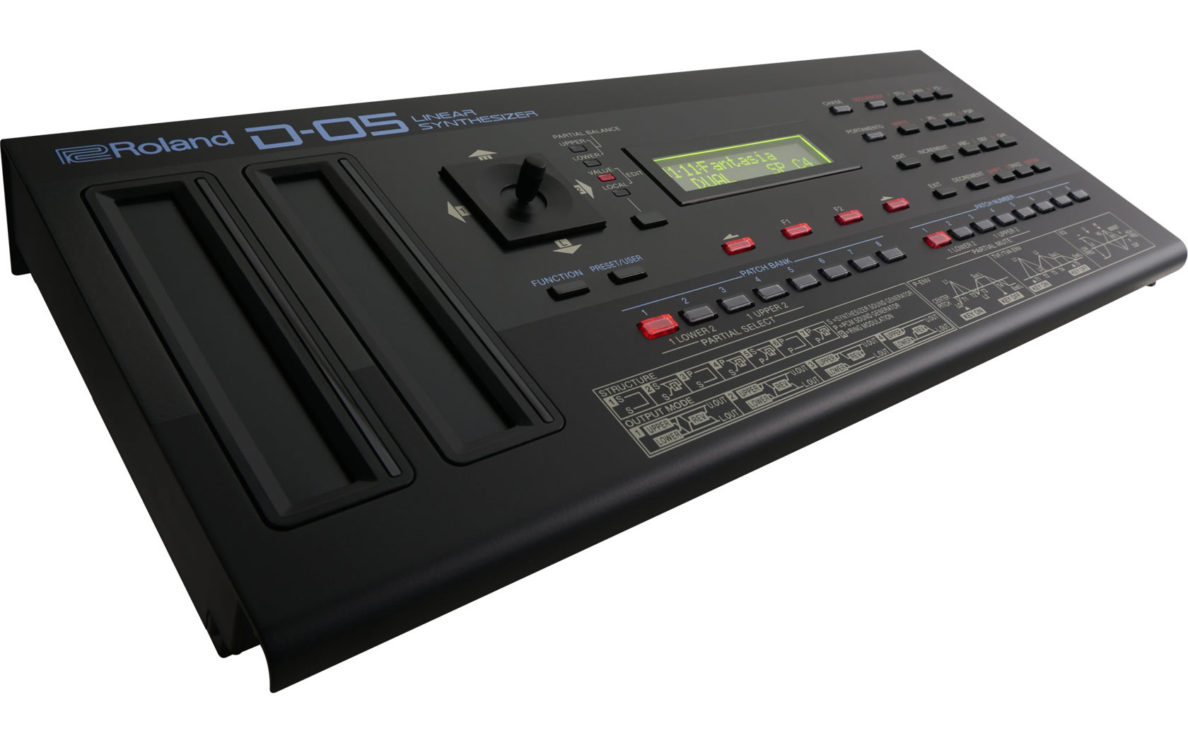 Roland - D-05 | Linear Synthes...