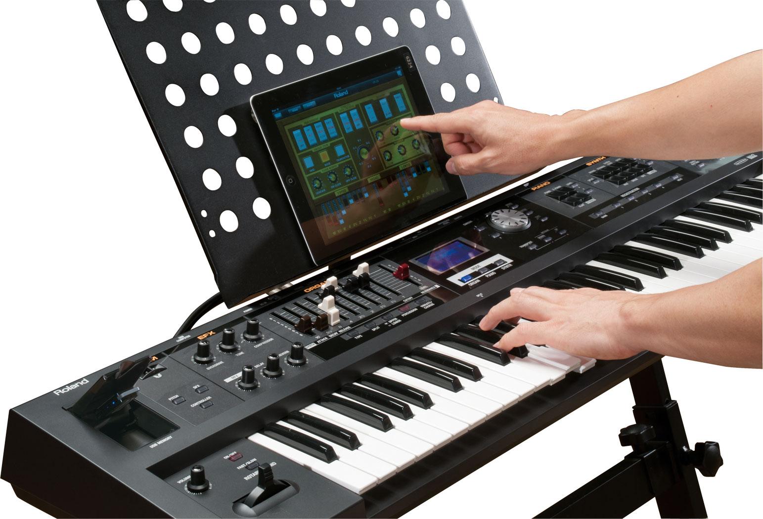 Roland - V-Combo VR-09 | Live Performance Keyboard