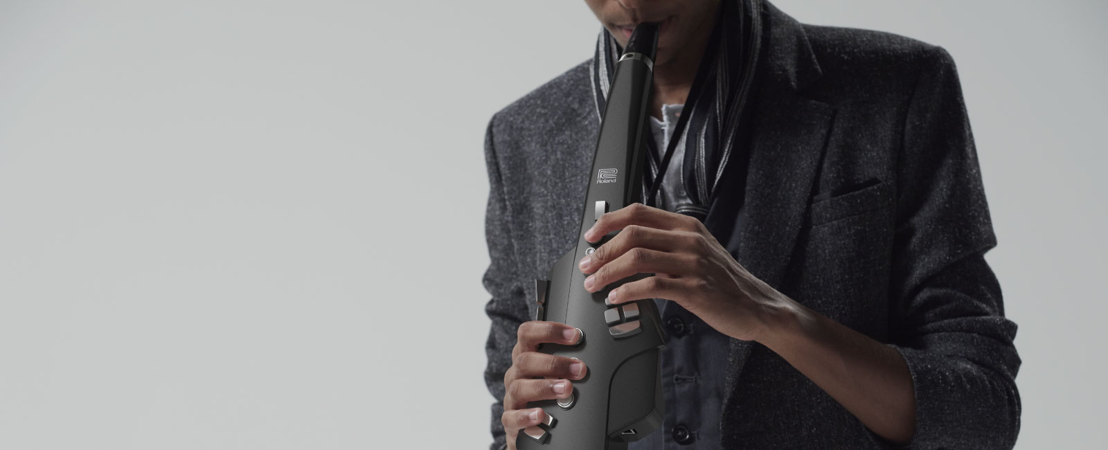 Nouvel Aerophone <br />en <strong>Version Graphite</strong><small>Digital Wind Instrument</small>