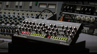 SE-02 Analog Synthesizer - Designed by Studio Electronics