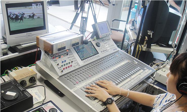 競馬番組の生中継で活躍するV-Mixing System