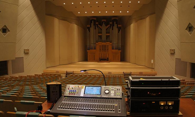 操作性と音質の良さから「V-Mixing System」を導入