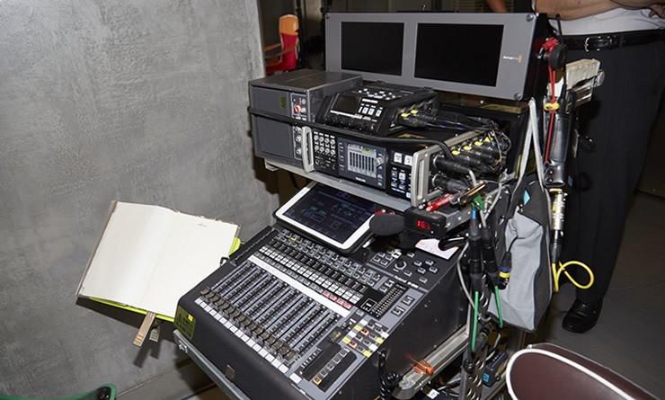 東映のテレビ・ドラマ収録で活躍するローランド V-Mixer M-200i