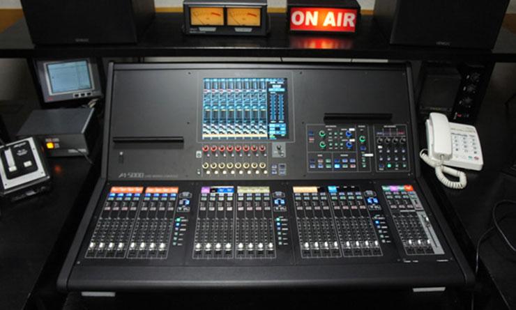 RCC文化センターが導入したローランド M-5000