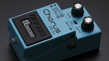 ビンテージモデル2機種を再現したギター用エフェクターを発売