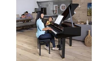 ご家庭のリビングで楽しめるミニグランドピアノ発売