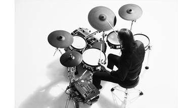 先進のデジタル・パッドと音源技術を採用した電子ドラム「Vドラム」の最新モデル