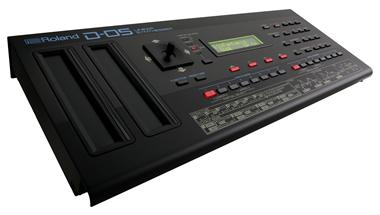 80年代を代表するローランド初のフルデジタル・シンセサイザー「D-50」を再現した卓上型のシンセサイザーを発売
