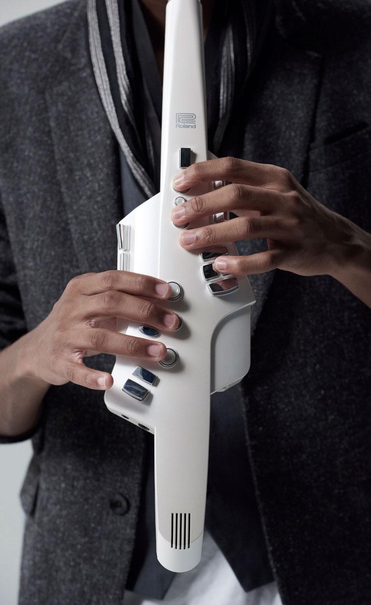 Roland Aerophone AE-10 Digital Wind Instrument 6