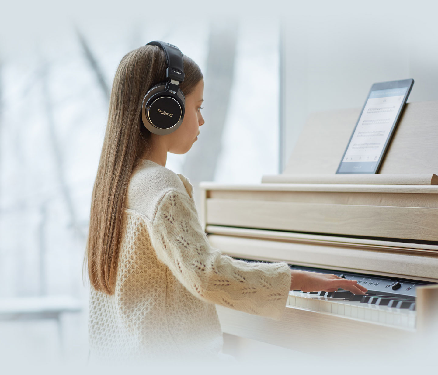 PRACTICE AND PERFORM WITH HEADPHONES ANDBLUETOOTH