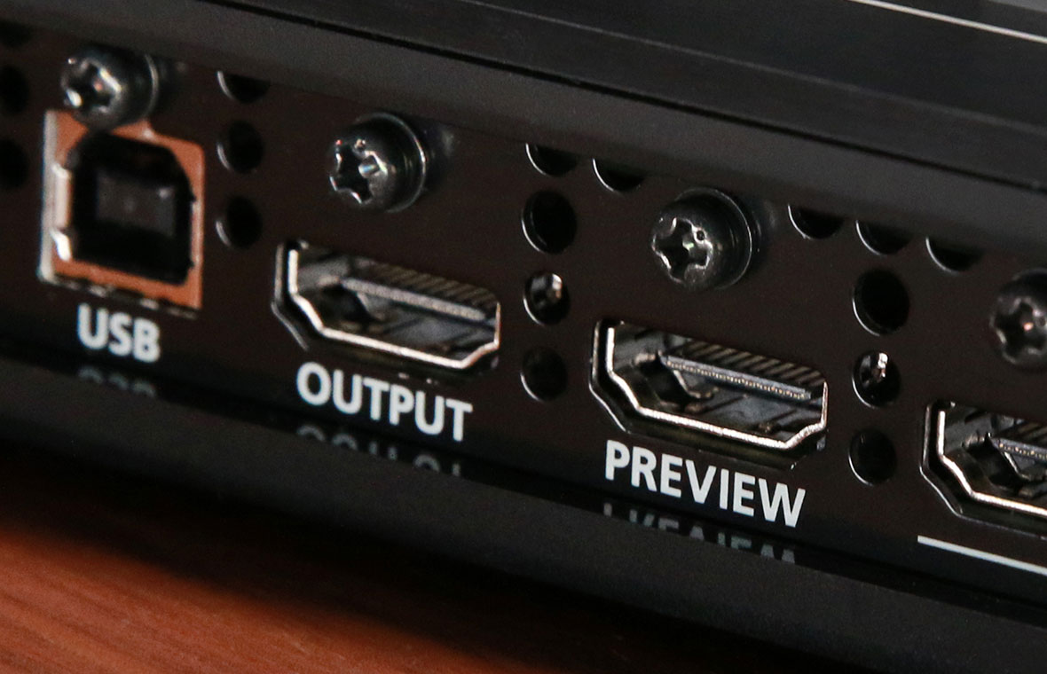 Two Video Outputs on the V-1HD